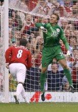 Tomasz Kuszczak po obronionym karnym z Arsenalem
